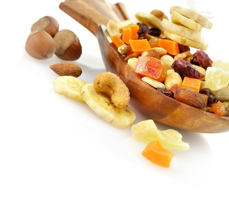 frutas secas: Frutas secas Mezcle en un plato de madera