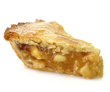 pastel de manzana: Una rebanada de pastel de manzana sobre fondo blanco, Close Up Foto de archivo