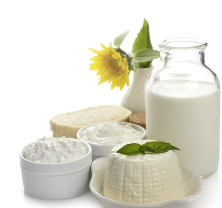 Milchprodukte auf weißem Hintergrund Standard-Bild - 15168104