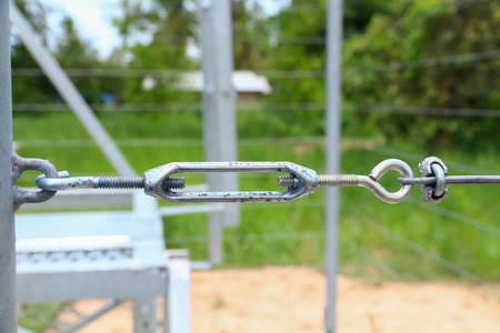 the wire clippings screw locked cable pole,metal turn buckle fastening of cable