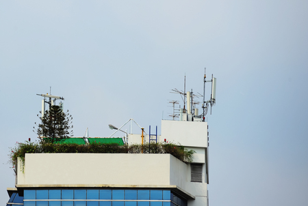 Phone antenna was developed to be small and can be installed on high-rise buildings where space is too small. Editorial