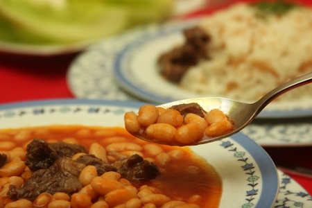 turkish kebab: baked beans