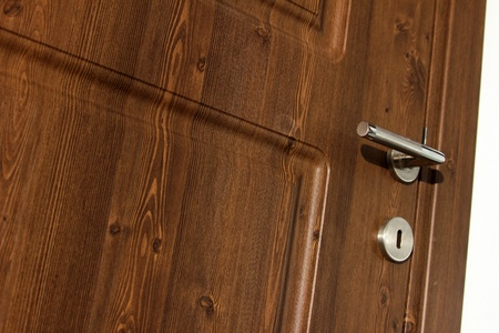 door handle: wood door