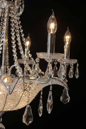 luster: chandelier