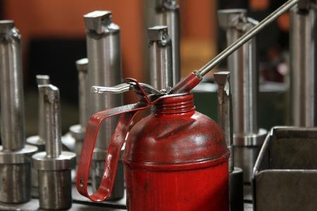 oilcan: Machine oil