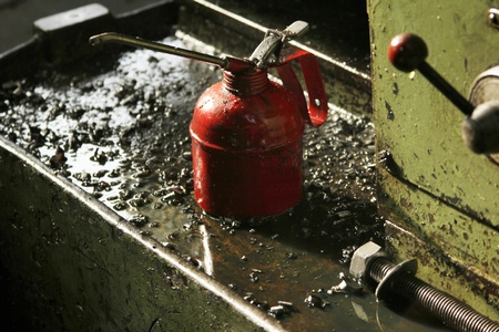 lubricator: machine oil