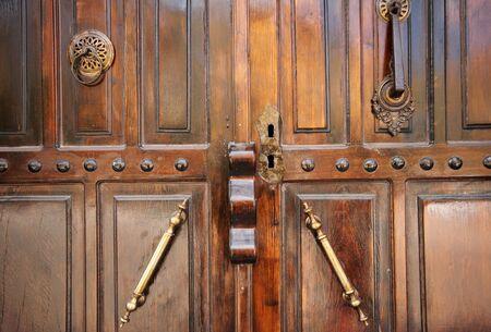 wood door: porte en bois