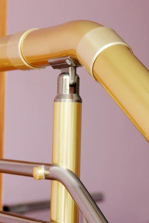 railing: staircase railing