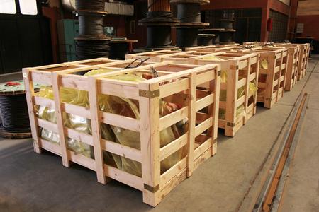 large wooden shipping box Stockfoto
