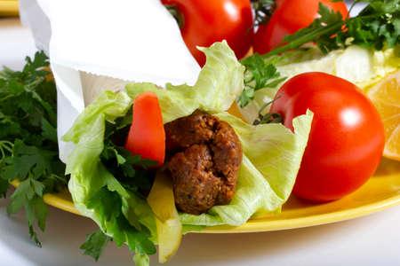 (Cig Kofte) Turkish food. Traditional Turkish Raw Meat. Imagens