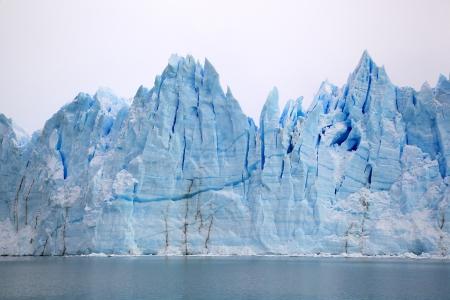 Perito Moreno Glacier in Parque Nacional los Glaciares, Argentina Stock Photo - 17311075