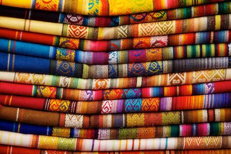오타 발로, 에콰도르 시장에서 판매를위한 다채로운 담요 스톡 콘텐츠