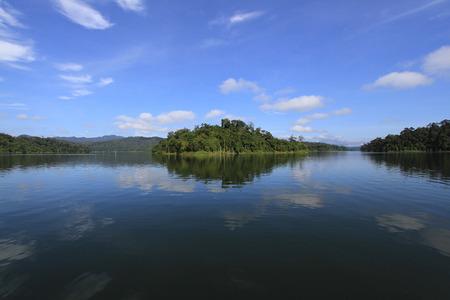 banding: BANDING LAKE, ROYAL BELUM, PERAK, MALAYSIA
