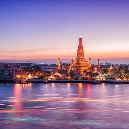 Wat Arun night view Temple in bangkok, Thailand photo