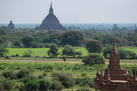 sight seeing: temples in Bagan, Myanmar