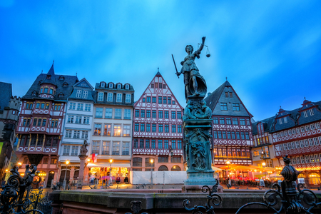 roemerberg: Twilight Time view of old town square in romerberg with Justitia statue in Frankfurt Germany Stock Photo