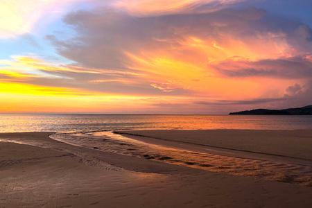 View of sunset at Karon beach in Phuket, Thailand Reklamní fotografie - 114522975