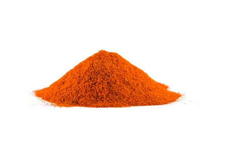 Red chili pepper powder isolated on white background Banque d'images