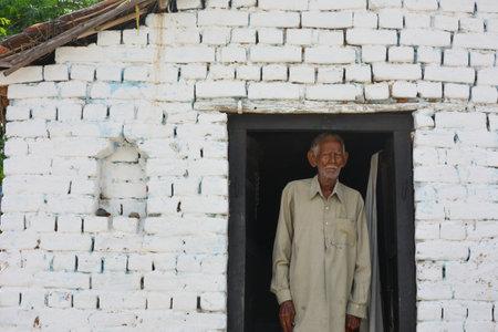 MAHOBA, UTTAR PRADESH, INDIA - AUGUST 24, 2020: Portrait of Indian Old Man. Éditoriale