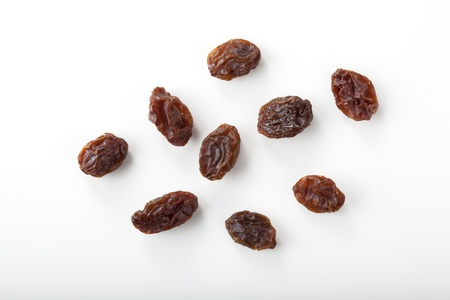 raisins: dried grapes isolated on white