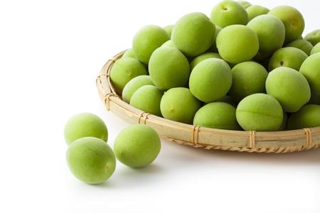 Un'immagine di frutta di prugna