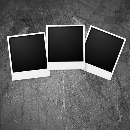 mur grunge: Polaroid cadres photo sur le mur de grunge. Vecteur de fond Illustration