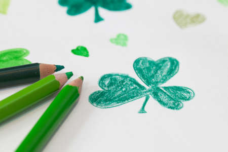 st  paddy's day: Shamrock drawing with 3 green colouring pencils