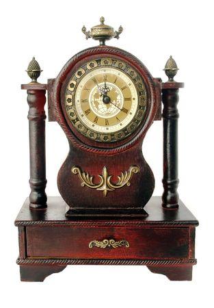reloj antiguo: antiguo reloj envejecido aislado en blanco  Foto de archivo