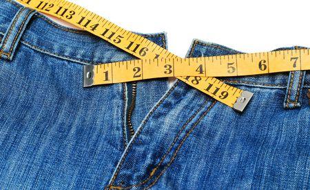 decreasing in size: Jeans e misura di nastro