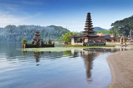 Ulun Danu-tempel Beratan Lake in Bali Indonesië