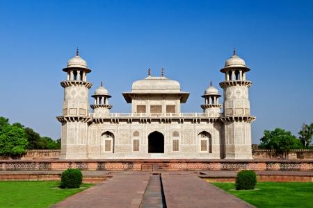 mughal: Itimad-ud-daulah, Tomb of Mizra Ghiyas beg, at sunset, Agra, Uttar Pradesh, India.