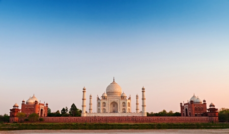 temple tower: Taj Mahal at the sunset, Agra, India
