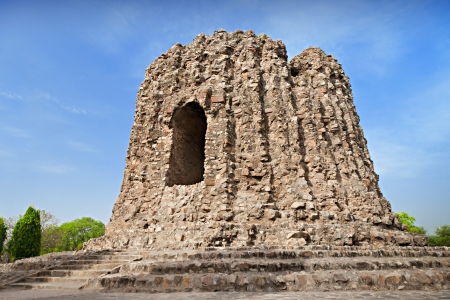 conceived: The uncompleted Alai Minar was conceived to be double the height of the Qutab Minar in Delhi, India Stock Photo