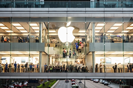 HONG KONG, CHINA - MARCH 19: Apple Store in the city center on March, 19, 2013, Hong Kong, China. Apple is a very popular worldwide brand name.  Stock Photo - 22053609