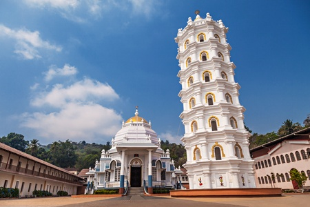 temple tower: Shri Mangeshi temple - one of the most important in Goa
