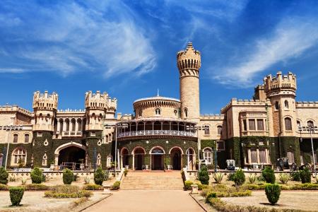 bandera de la india: Jardín y Bangalore rey palacio, Karnataka, India