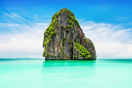 Beaty limestone rock in the ocean Stock Photo - 22100828