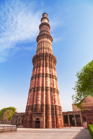 quitab: Qutub Minar is a one of the most popular place in Delhi
