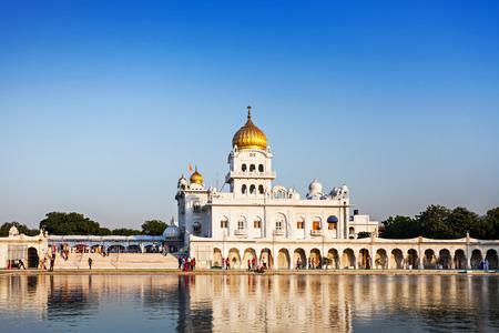 gurudwara: Gurdwara Bangla Sahib is the most prominent Sikh gurdwara Stock Photo