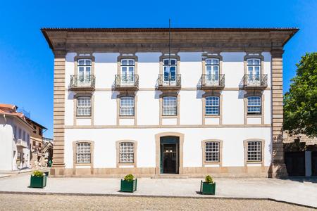alberto: Alberto Sampaio museo en el centro de Guimar�es, Portugal Editorial