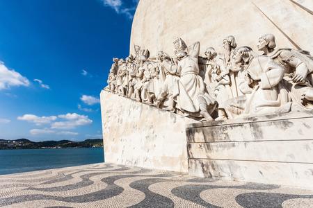 descubridor: Padrao dos Descobrimentos (Monumento a los Descubrimientos) es un monumento en la orilla del r�o Tajo en Lisboa, Portugal