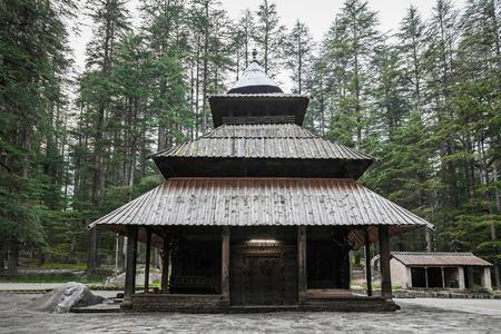templo: Templo Devi Hidimda en Manali, Himachal Pradesh, India