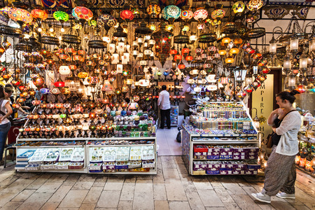 kapalicarsi: ISTANBUL, TURKEY - SEPTEMBER 08, 2014: The Grand Bazaar is one of the largest and oldest covered markets in the world on September 08, 2014 in Istanbul, Turkey. Editorial