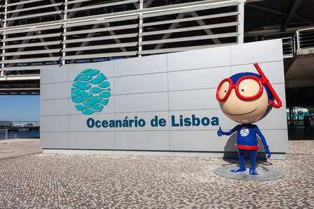 oceanario: LISBON, PORTUGAL - JUNE 26: The Lisbon Oceanarium (Oceanario de Lisboa) on June 26, 2014 in Lisbon, Portugal