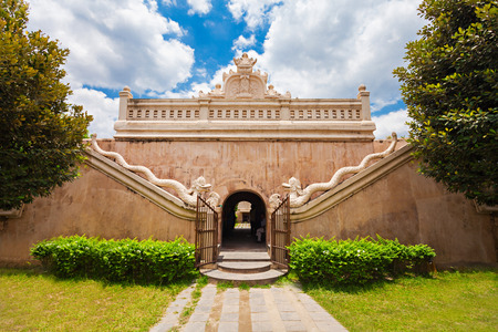 taman: Taman Sari Water Castle is a site of a former royal garden of the Sultanate of Yogyakarta