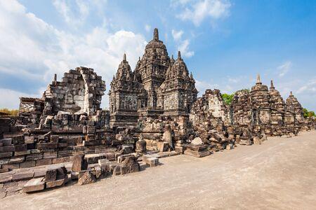 sien: Sewu es un templo budista cerca de Prambanan Temple, Java Central, en Indonesia