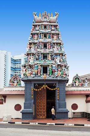 スリ マリアマン寺院がシンガポール最古のヒンズー教寺院です。