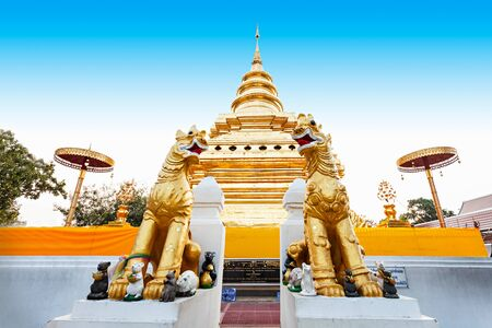 thong: Wat Phra That Si Chom Thong Worawihan is buddhist temple located in Chiang Mai Province, Thailand Stock Photo