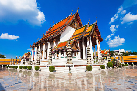 buddhist temple: Wat Suthat Thep Wararam is a Buddhist temple in Bangkok, Thailand