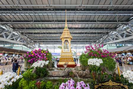 suvarnabhumi: BANGKOK, THAILAND - OCTOBER 15, 2014: Thai monuments in the Suvarnabhumi International Airport in Bangkok, Thailand. Editorial